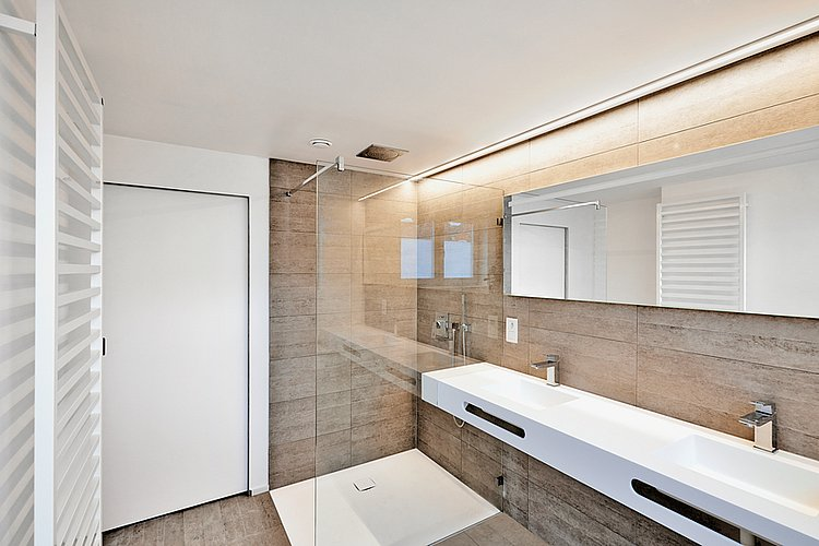 luxury bathroom estate home shower