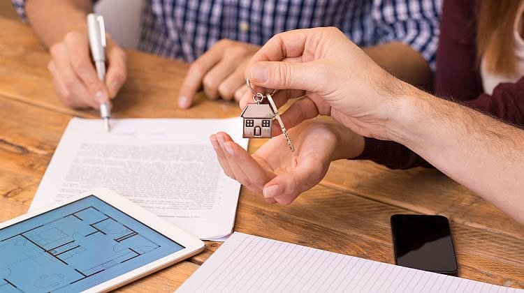 How does mortgage affect credit score, and credit score affect mortgages?