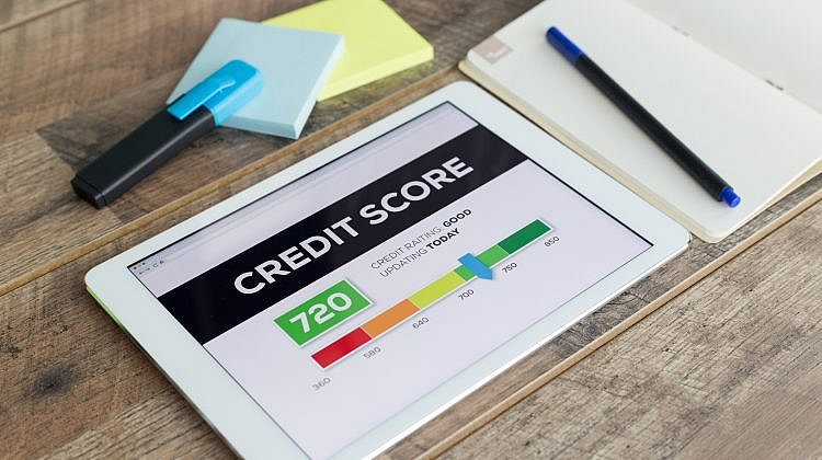 What are the different types of credit scores?