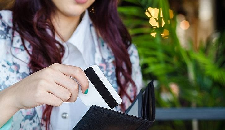 What are the pros and cons of credit cards?