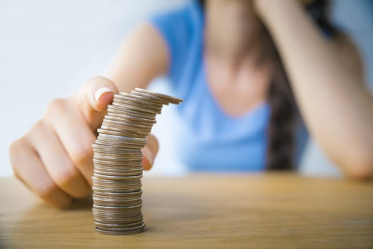 Almost half of Aussie women do not feel in control of their finances