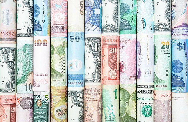 Fees fading for international banking