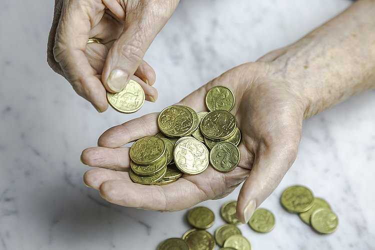 Bank super returns lag behind not-for-profit funds