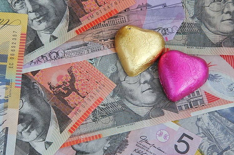 Nearly three quarters of Aussie couples clash over money