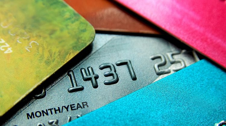 Banks big and small have credit cards under 10%