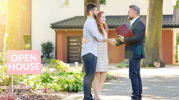 Real estate agents aim to lift their game