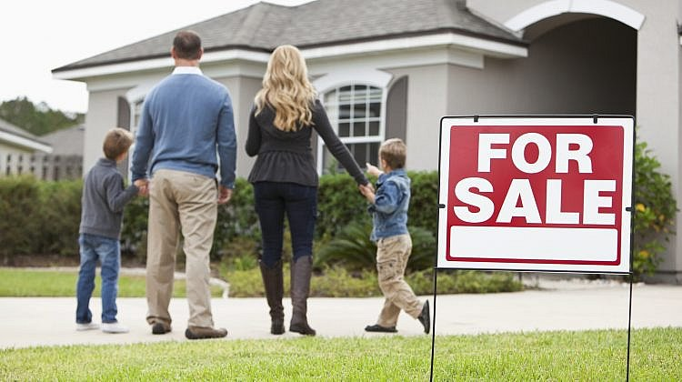 Houses selling better than units in top performing suburbs