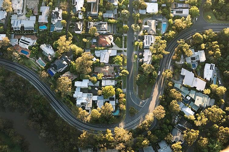 Australian dwelling values still falling