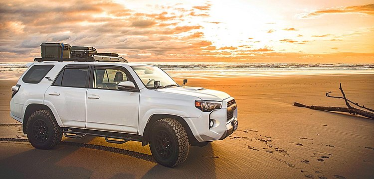 stock-toyota-beach-horizon