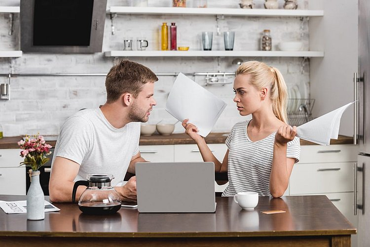 Couples still reluctant to talk money in relationships