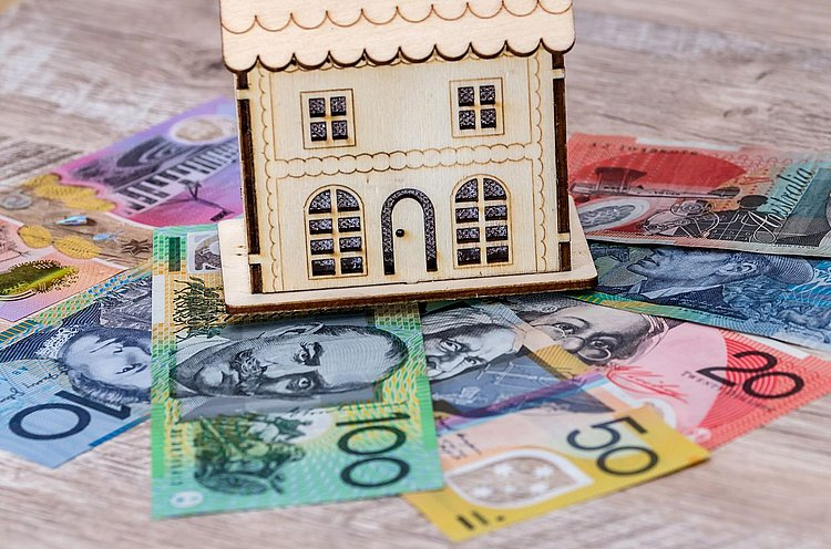 Auswide cuts mortgage rates