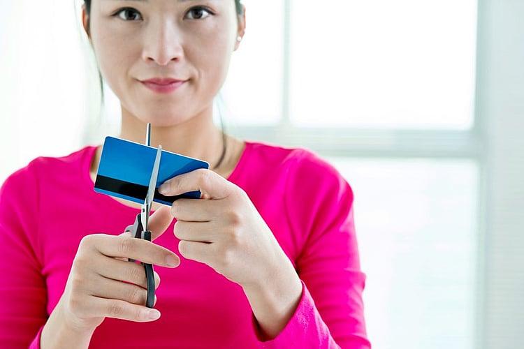 Australians starting to kick the credit card debt addiction