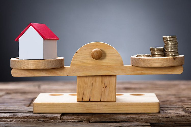 Should I fix my home loan interest rate?