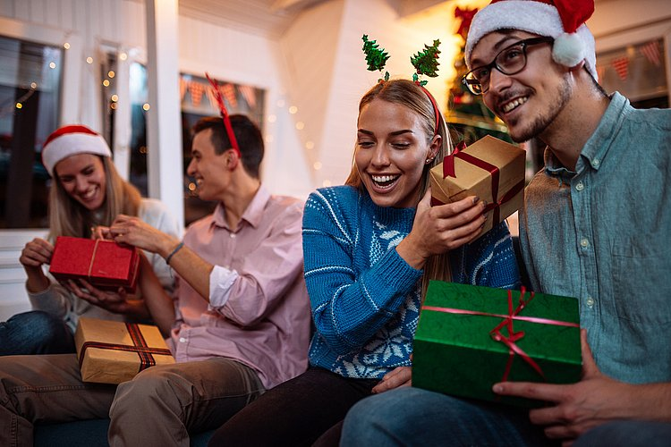 5 easy ways to save hundreds by Christmas